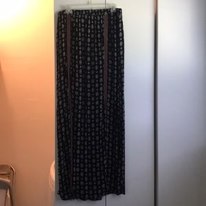Very cute patterned maxi skirt